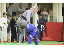 BJJ World Champion Ffion Davies coaching youngsters