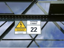 Warnung_Baumarbeiten_nahe_Stromleitungen_Bild_2