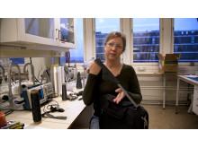 Anja Lund med den elektriska textilen