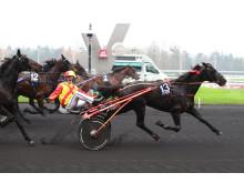 Voltigeur de Myrt vinner Grand National du Trot 141130