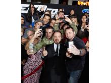 Aaron Paul-selfie