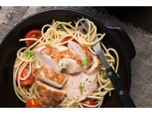 Matkomforts pasta med kyckling och tomatfärskost