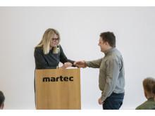Borgmester Birgit Hansen overrækker pris