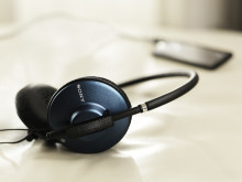 Sony-MDR570_blue ambient
