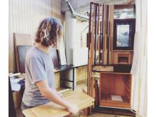 Arkitektstudenten Valter Lindgren slår ett slag för Bricolage, franska för Gör-det-själv (DYI). Bild: Valter Lindgren.