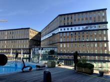 Den terminalnära byggnaden SkyCity Office One erbjuder flexibla mötesplatser i direkt anslutning till Stockholm Arlanda Airport. Foto Hans Uhrus - Swedavia.