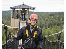 Näringsminister Mikael Damberg besöker Little Rock Lake Zipline