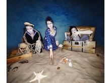 "Teater: De små vågornas fotspår"". Foto: Cafezlek."