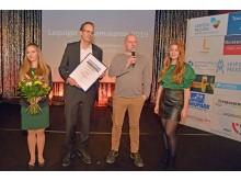 Die Leipziger Clubkultur und Distillery erhielten den dritten Platz in der Kategorie Unternehmen/Institutionen. Steffen Kache (Mitbegründer der Distillery, 2.v.r.) nahm den Preis entgegen.