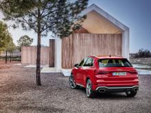 Audi RS Q3 (tangorød)