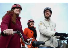 Cyklister med hjälm