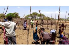 Der Bau der Esel-Gehege erfolgte gemeinsam mit den Bewohnern der Massai-Dörfer.