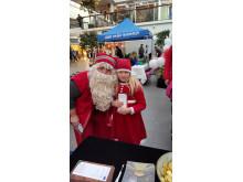 Jultomten från Julparken i Lycksele var i Vasa , Finland, och fick önskelistor från barnen