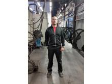 Marcus Anderberg, produktionschef för Proton Finishings anläggning i Eskilstuna