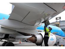Påfylling av drivstoff på KLM
