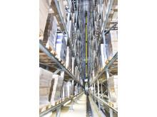 I det nya höglagret används tio energieffektiva Exyz-pallkranarna med dubbla master för effektiv hantering
