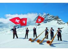 Alphornspieler und Fahnenschwinger, Jungfraujoch, Berner Oberland