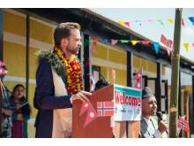 Tale - Utviklingsminister Nikolai Astrup åpnet Shree Devitar Basic School i Dolakha i Nepal