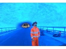 Keine Angst vor Dunkelheit: Wechselnde Beleuchtungen sorgen im Tunnel für Atmosphäre