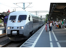 X 2000 vid station