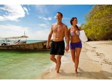 I Thailand virker det varme, azurblå badevand som en ren magnet.