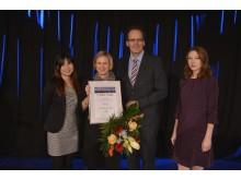 Den zweiten Platz in der Kategorie Persönlichkeiten erhielt Gerd Harry Lybke. Elke Hannemann (2.v.l.) nahm den Preis stellvertretend entgegen.