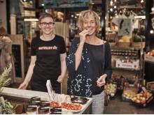 Örtkännaren och författaren Lisen Sundgren och biodlaren Therese Hammargren