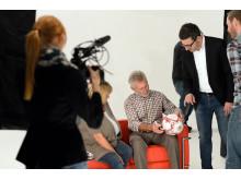 Paul Breitner unterschreibt den FC Bayern Fußball