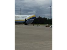 Fronten på Antonov AN-225 åpnes