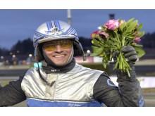 En glad jubilar. Carl Johan Jepson har tagit sin tusende seger på travbanorna.