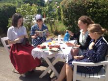 Esther og veninder - gratis sommerteater på Brede Værk