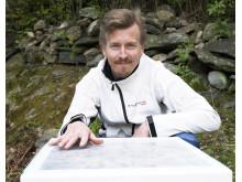 Kocken Paul Svensson klappar på sina nya bin
