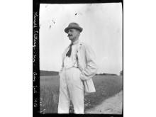 Harald Sohlberg fotografert på Ås, 1912.