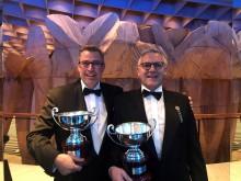 Per Brodersen og Toni Hansen modtog pokaler for en 2. plads i klassen
