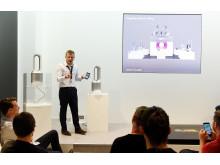 IFA 2016: Dyson Ingenieur Hugo Wilson präsentiert den Dyson Pure Cool Link Luftreiniger