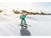 Child skiing in Idre Fjäll Dalarna Foto Idre Fjäll.jpg