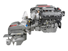 Hi-res image - YANMAR - YANMAR 4LV sterndrive marine diesel engine with the YANMAR ZT370