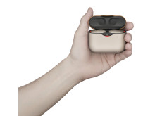 WF-1000XM3_N_case_with_hand-Large