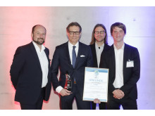 Christian Hottgenroth nimmt Auszeichnung Green Truck 2018 entgegen