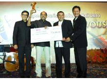 Michael Sengol, second from left, receiving the PATA Productivity Story 2011 Award