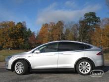 Nu säljs den första begagnade Tesla Model X