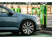 Ideaparkin sähköautojen latausalue yhteensä 40 sähköautolle