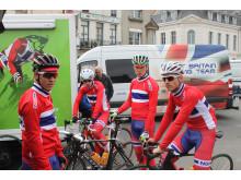 Juniorlandslaget før start Paris Roubaix