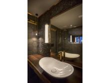 Badrum på HUUS Hotel, Gstaad, designat av Stylt Trampoli