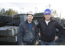 – Vi vil ha større fokus på mur som materiale og mener det er et stort marked for murhus, sier Borgar Løberg i NME AS (t.h.).