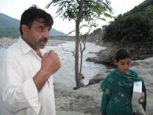 Far och dotter i Swatdalen