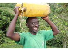 Män kan också bära vatten