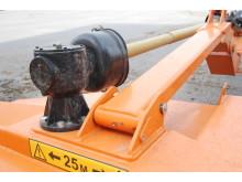 Optimal kedjeröjare M1650 - Växellåda och pendlingsfunktion i kedjehuvudets infästning