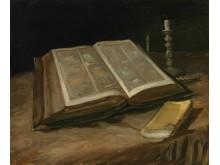 Vincent van Gogh Stilleven met bijbel, 1885 Olieverf op doek,  65,7 x 78,5 cm