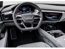 Audi e-tron quattro concept - cockpit
